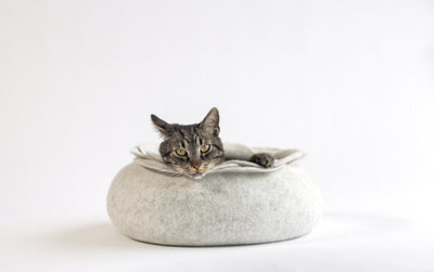 Vilten kattenmand Roos - Lichtgrijs